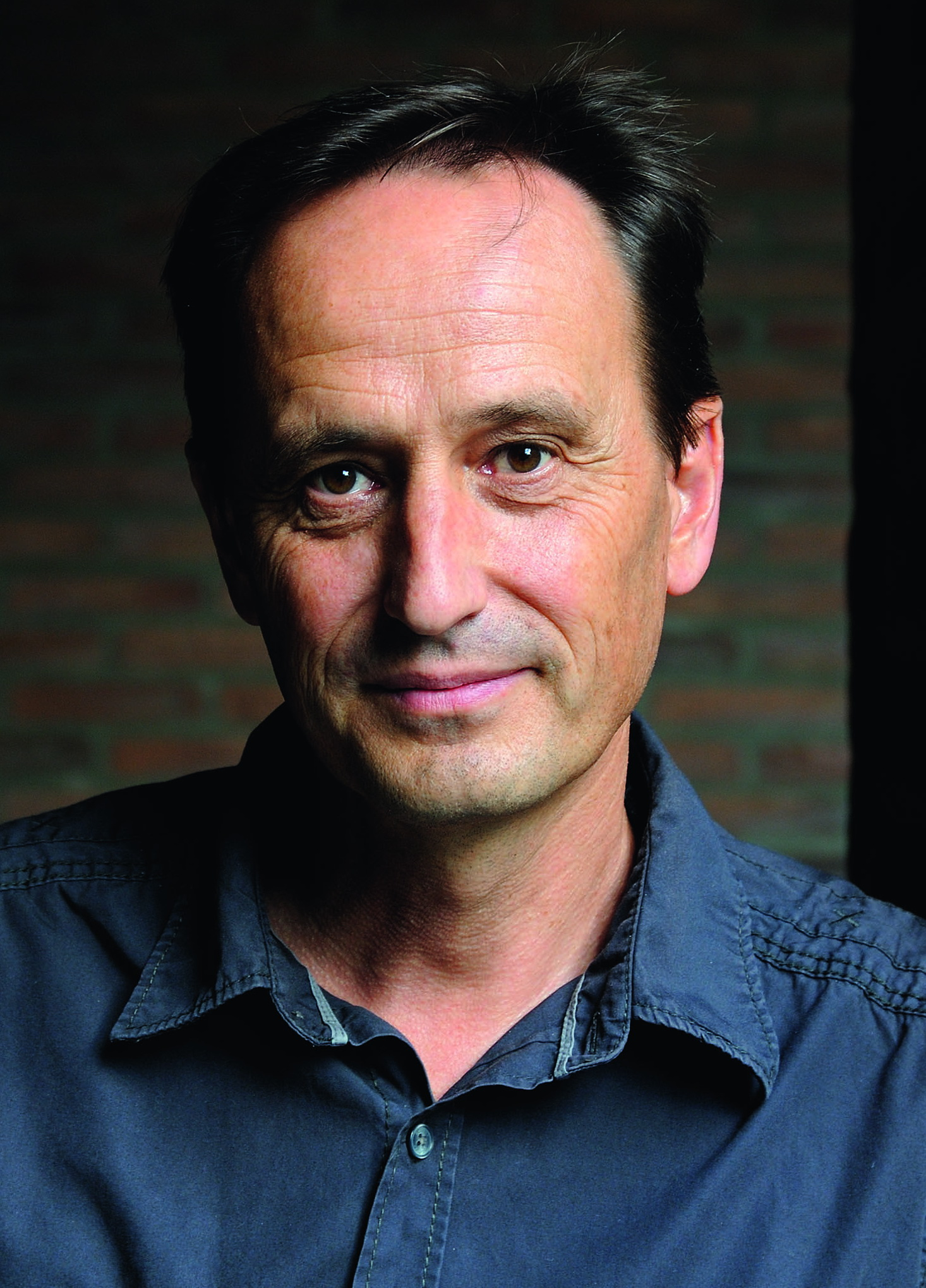 Schriftsteller Alois Prinz liest im Rahmen des Bildungskongresses